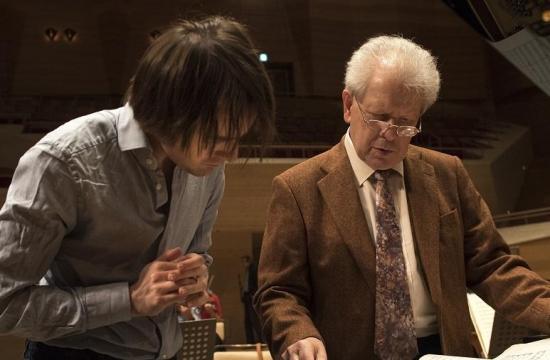 Sklavíristou Daniilem Trifonovem, jedním zesólistů japonského turné